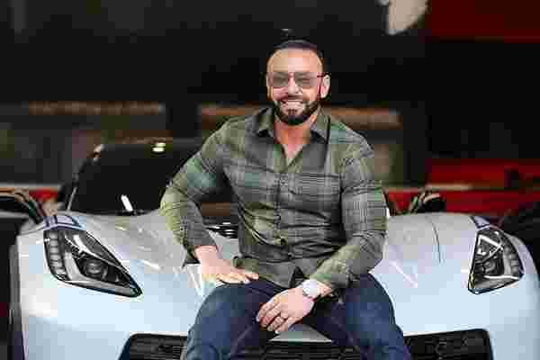 拒绝如何使Sam Bakhtiar从战争难民变成了冠军健美运动员和价值数百万美元的特许经营权所有者