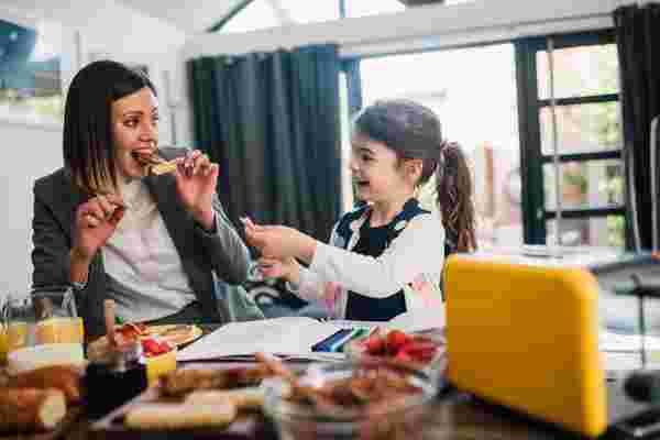 工作父母减轻压力和控制早晨的9种策略