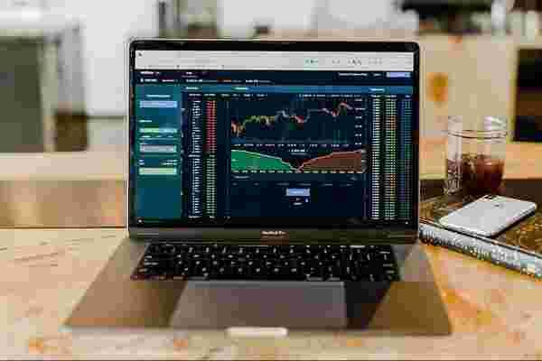 通过此培训,了解如何在股票市场上增加财富