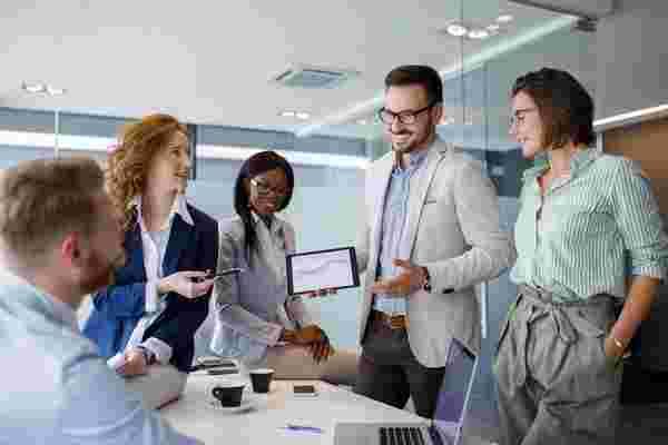 这家医疗保健初创公司在5年内发展到450名员工。它的创始人为有抱负的企业家提供了3个关键提示。