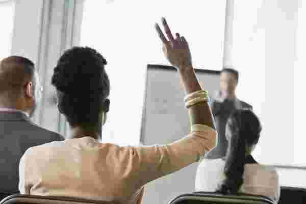 如何识别和培养员工的领导潜力