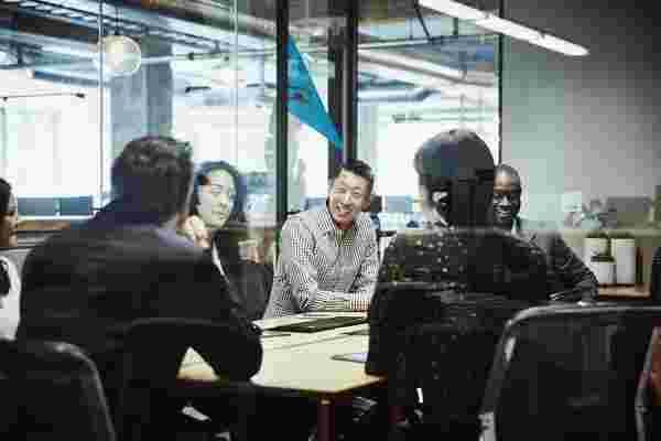 在工作场所建立有意义和富有成效的联系的5个关键