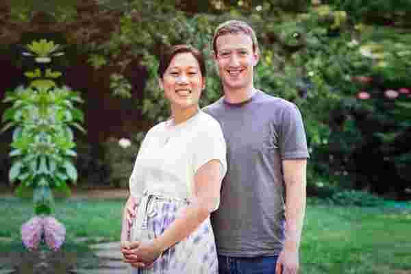马克·扎克伯格和他的妻子正在期待一个女婴