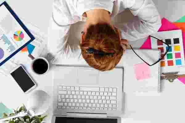昏昏欲睡的员工会伤害你的生意吗?(信息图)