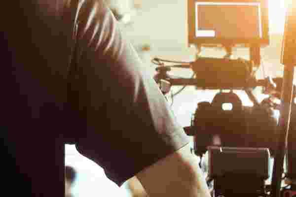Gary Vaynerchuk的个人摄像师对如何雇用个人摄像师有一些想法