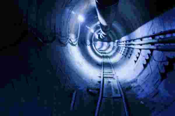 埃隆·马斯克 (Elon Musk) 说,他将于本12月在洛杉矶提供免费的地下隧道游乐设施