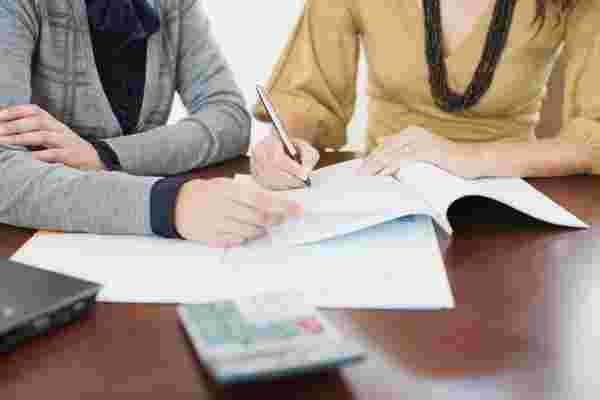 定期贷款与信贷额度: 哪一个适合你的生意?